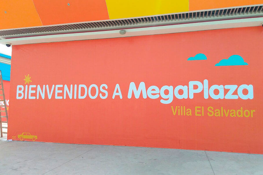 Megaplaza advertising enclosure